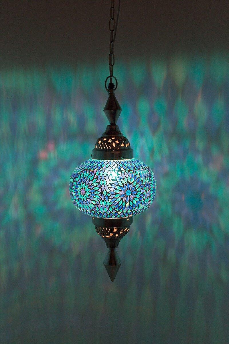 Oosterse lamp Gaya blauw aan