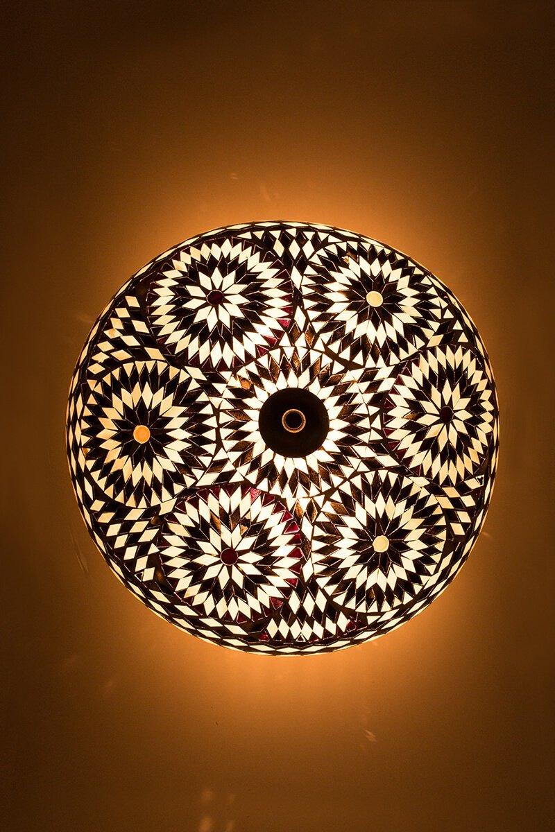Plafondlamp mozaiek zwart & wit bohemian aan