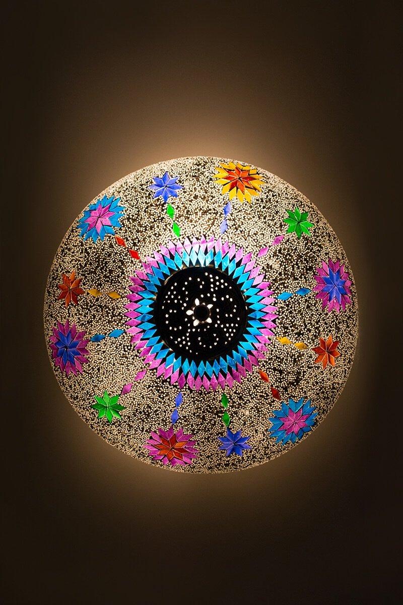 Plafondlamp mozaïek wit Maroc aan