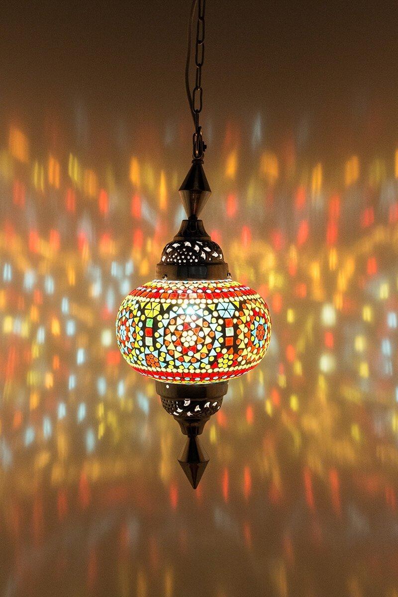 Oosterse lamp Gaya multicolour classic aan